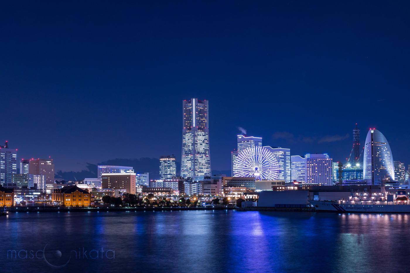 みなとみらいの夜景_Blue